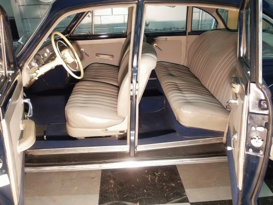 BMW 501 CONSERVATA-SELLERIA INTERNA