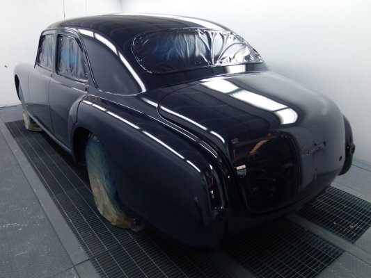 Alfa Romeo 6 c 2500 sport  1951 in restauro-fase verniciatura